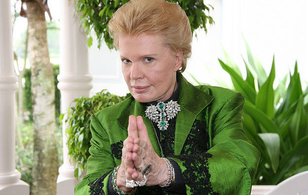 Tips For Explaining Walter Mercado To Your White Friends